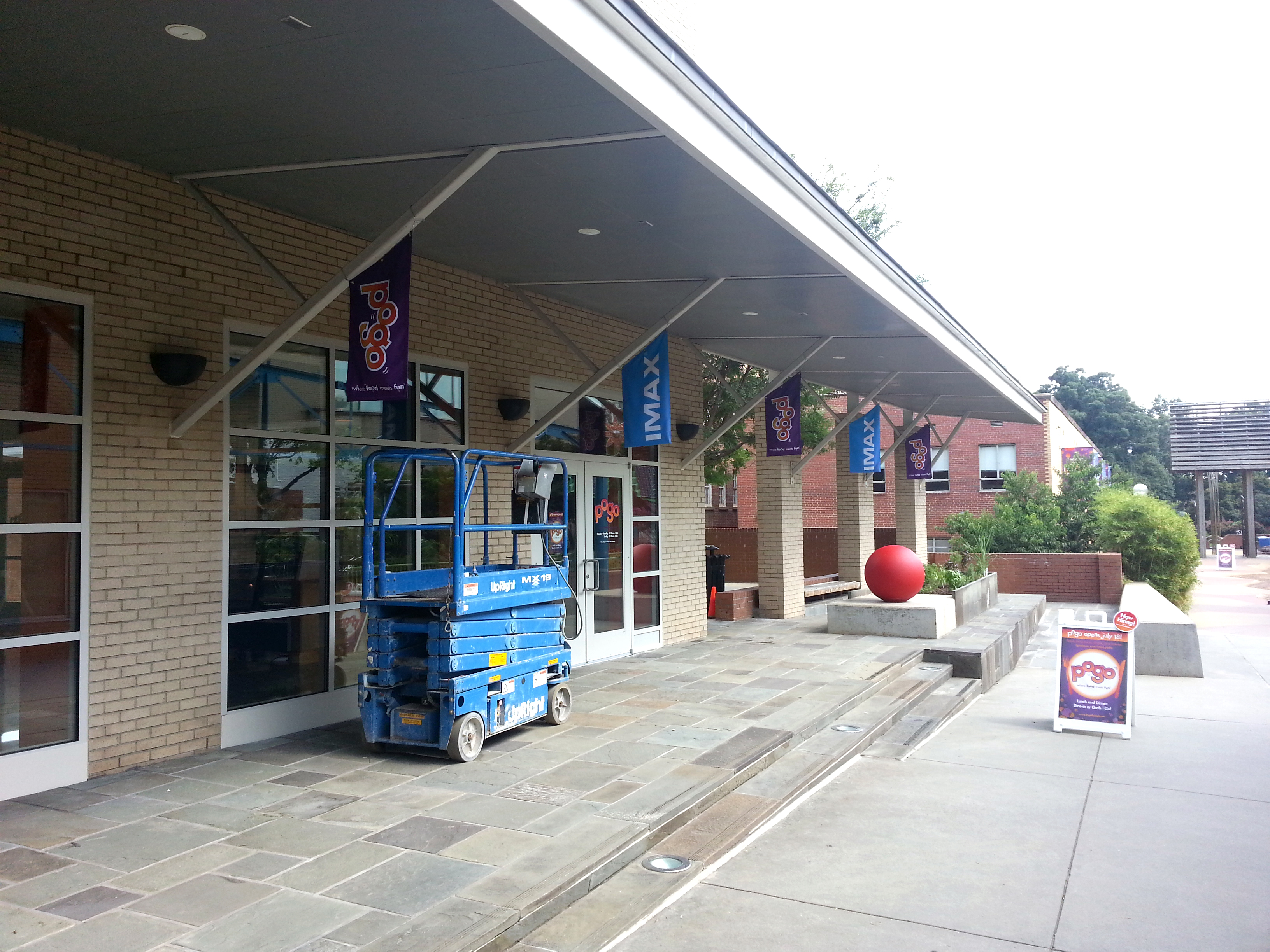 Installing Exterior Banners